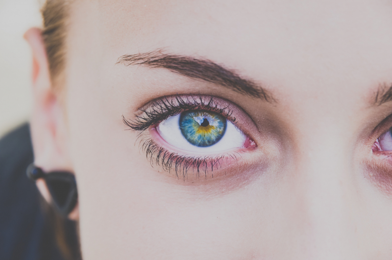 Dr.-Hauschka-Volume-Mascara-01-Black-10ml-abloomnova.net_-800x530 The hardest working eye cream in the business