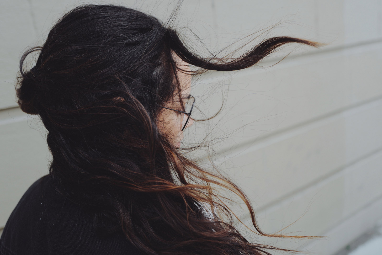 Davines-Alchemic-System-Alchemic-Shampoo-Tobacco-abloomnova.net_-1600x1068 5 Ways you can look after your hair this winter