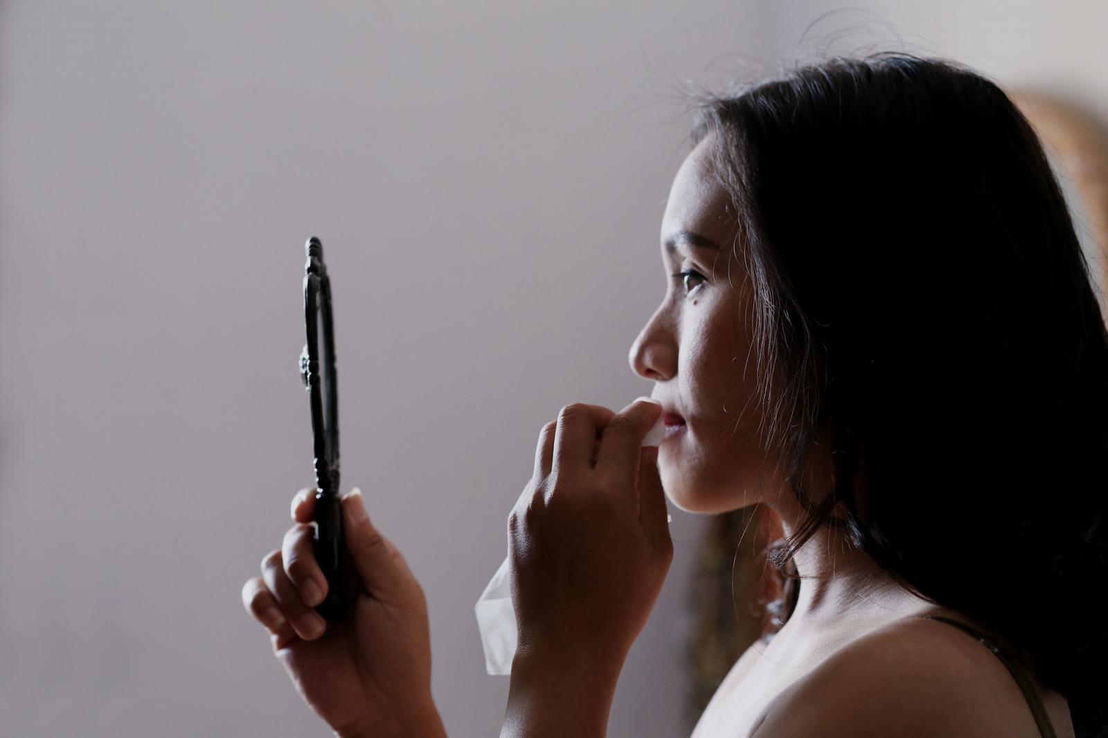 Ella-Bache-Nutridermologie-LAB-Correcteur-Magistral-Pure-Focus-19.3-abloomnova.net_-1600x1066 Applying concealer the makeup artist way